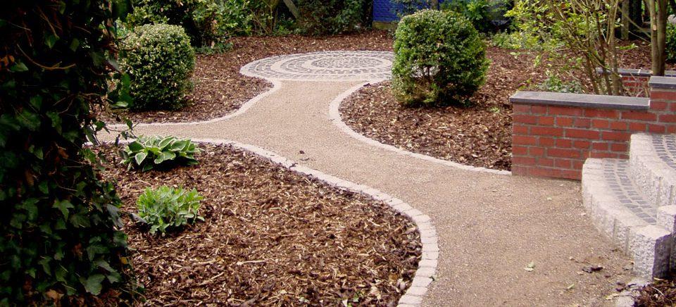 Gartenwege & Sitzbereiche