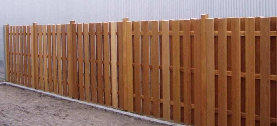 Elegante Zaunanlagen aus Holz