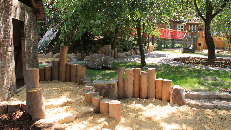Holzbauarbeiten - Kindergarten- & Spielplatz